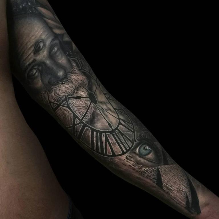 Realismo Tattoo con reloj y ojo