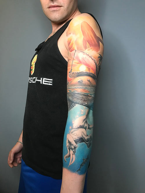 tatuaje surrealista de ballena realista en madrid