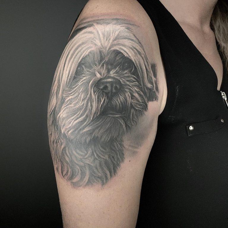 tatuaje mascota realismo en madrid