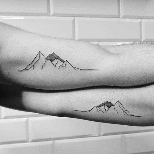 Tatuajes de montañas amigos en Madrid