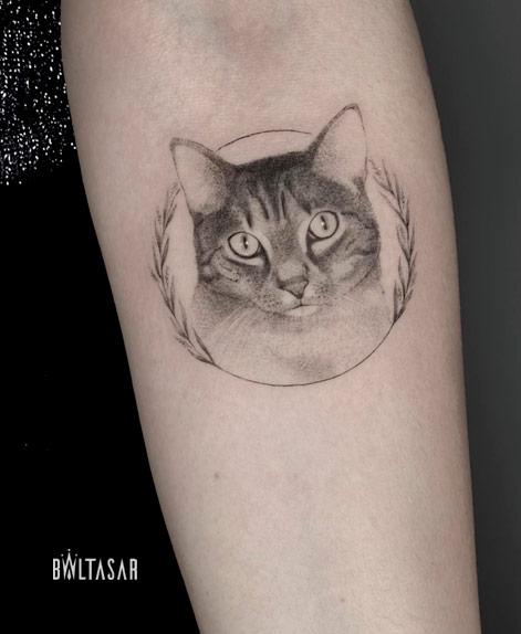 Tatuaje de mascotas en microrealismo en Madrid