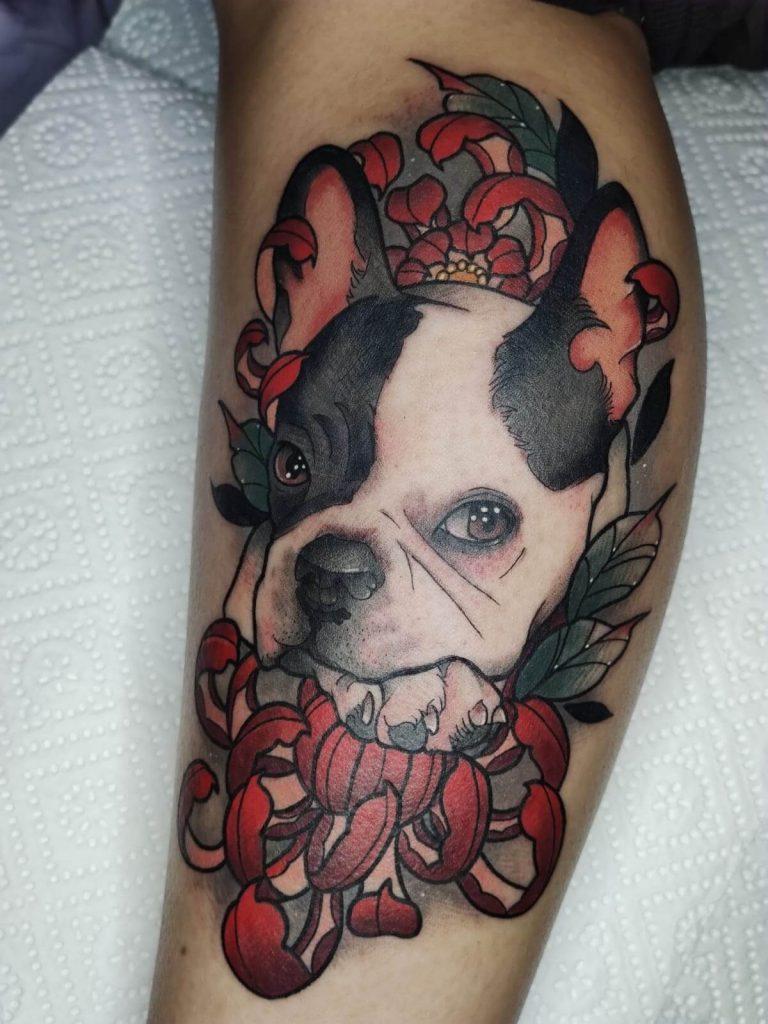 tatuaje neotradicional de perro en madrid