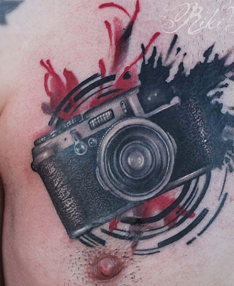 Tatuaje trash Polka de camara retro