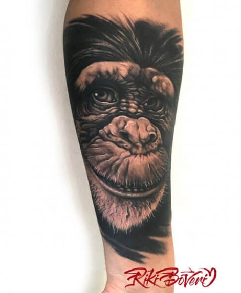 tatuaje realismo Mono en Madrid