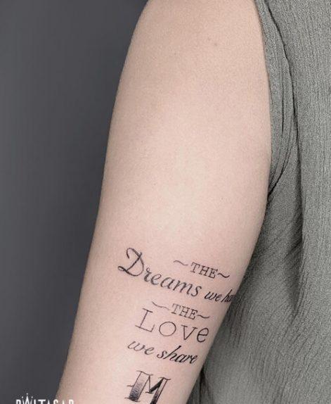 Lettering tattoo fine line en Madrid