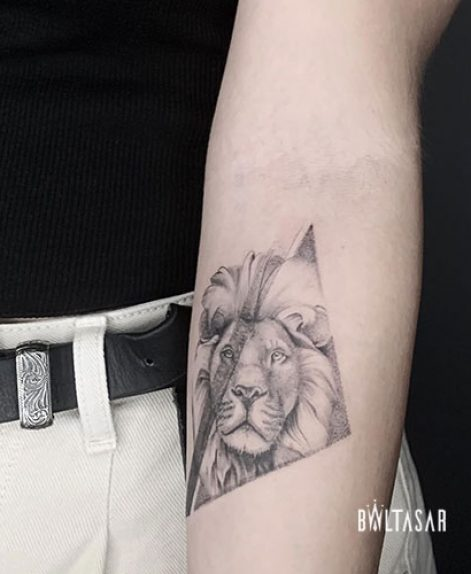 Tatuaje de Leon en Microrealismo Madrid