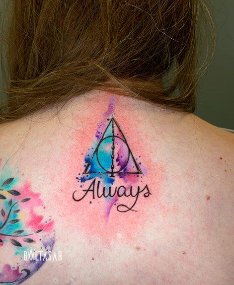 tatuaje triangulo acuarela madrid